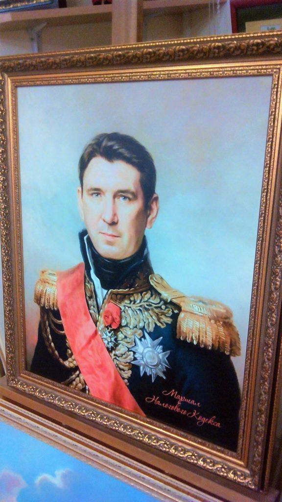 Портрет на холсте в багетной раме